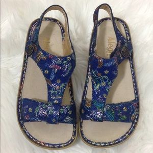 New ALEGRIA Kendra Blue T Strap Leather Sandals 6